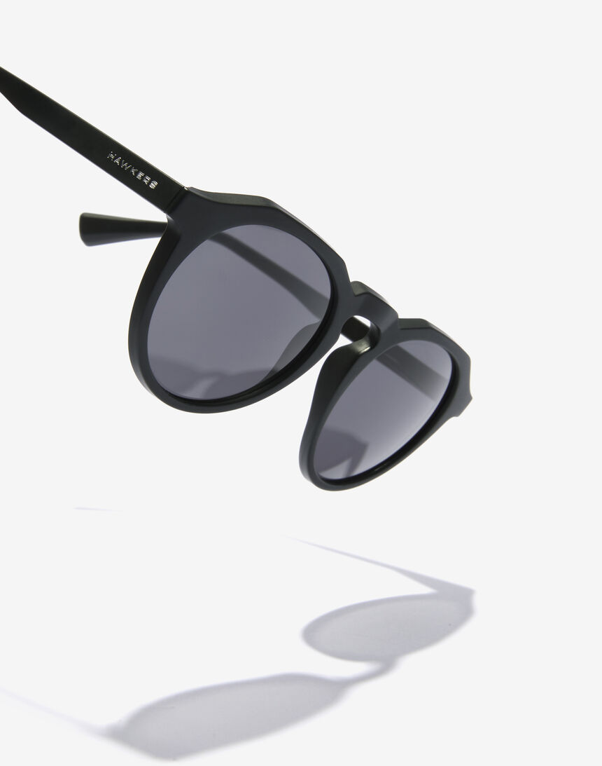 Hawkers WARWICK RAW - POLARIZED CARBON BLACK master image number 5.0