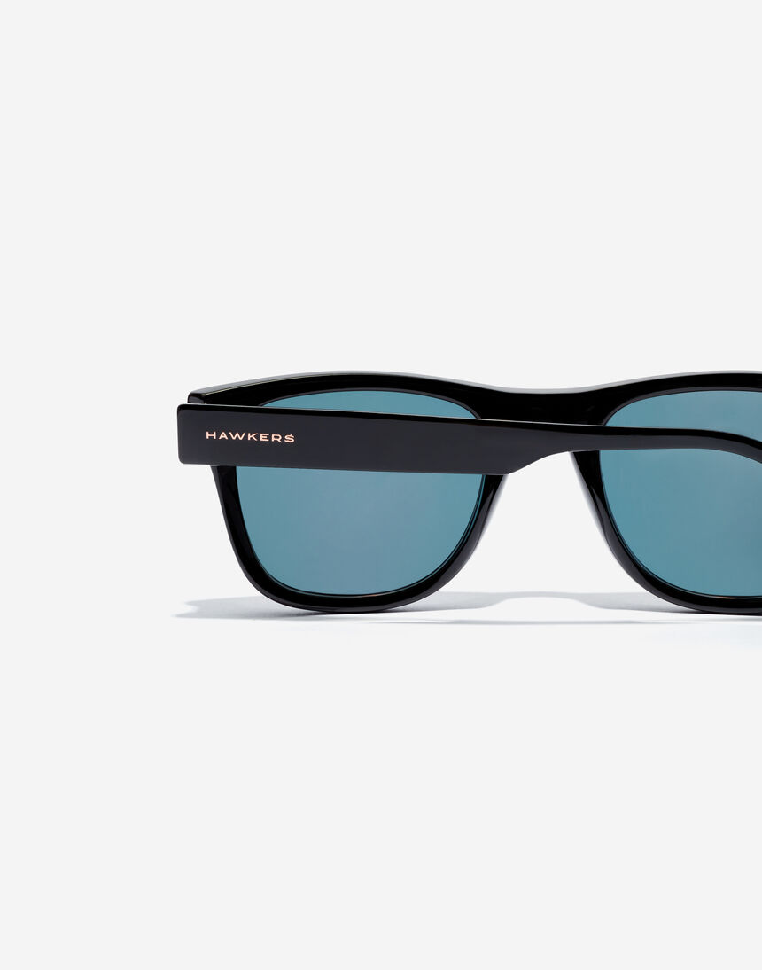 Hawkers TOX - POLARIZED BLACK EMERALD master image number 4.0