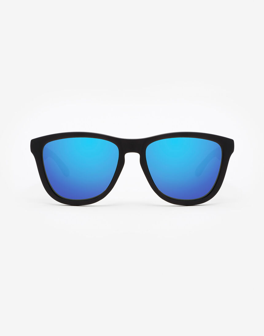 Hawkers Polarized Carbon Black Sky One master image number 0