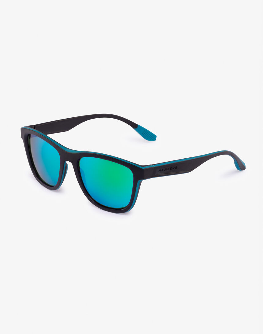 Hawkers Polarized Black Green Rubber Emerald ONE S master image number 2.0