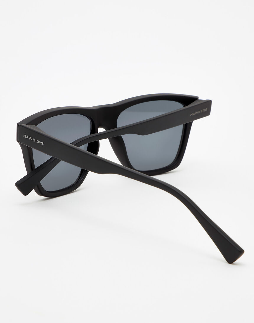 Hawkers Carbon Black Chrome ONE LS master image number 4.0
