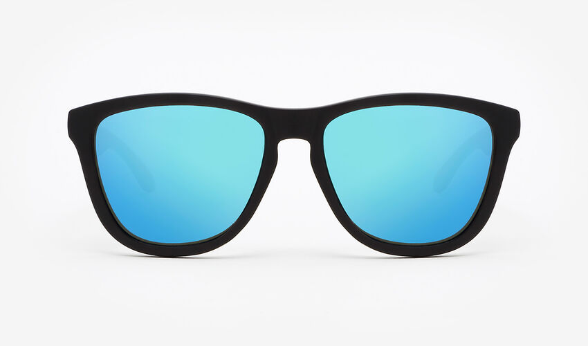 Hawkers Polarized Carbon Black Clear Blue One master image number 1