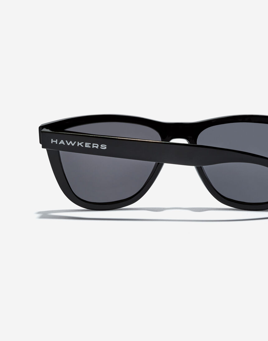 Hawkers ONE RAW - DIAMOND BLACK master image number 4.0
