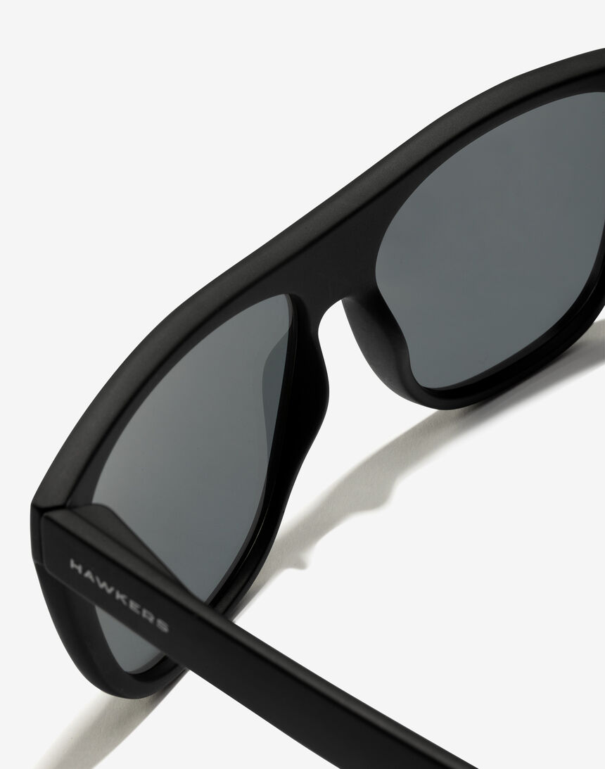 Hawkers Black Chrome Runway master image number 3.0