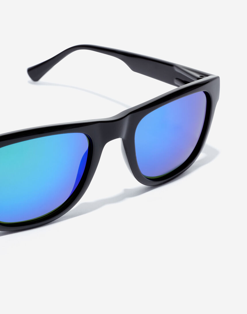 Hawkers TOX - POLARIZED BLACK EMERALD master image number 3.0