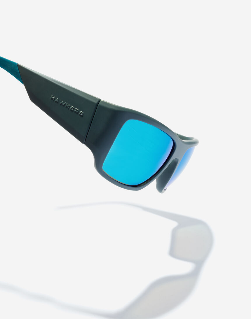 Hawkers 360 - CARBON GREY BLUE master image number 3.0