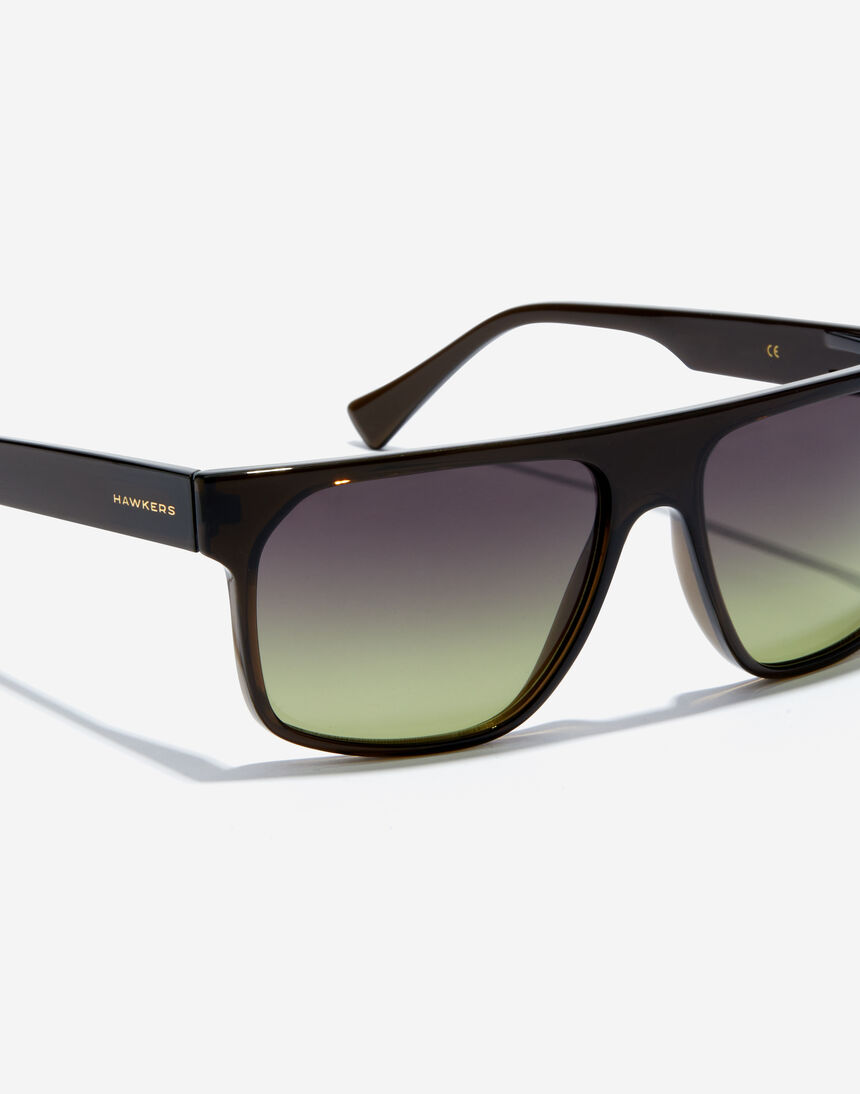 Hawkers CHEEDO - POLARIZED CRYSTAL BLACK MOSS master image number 3.0