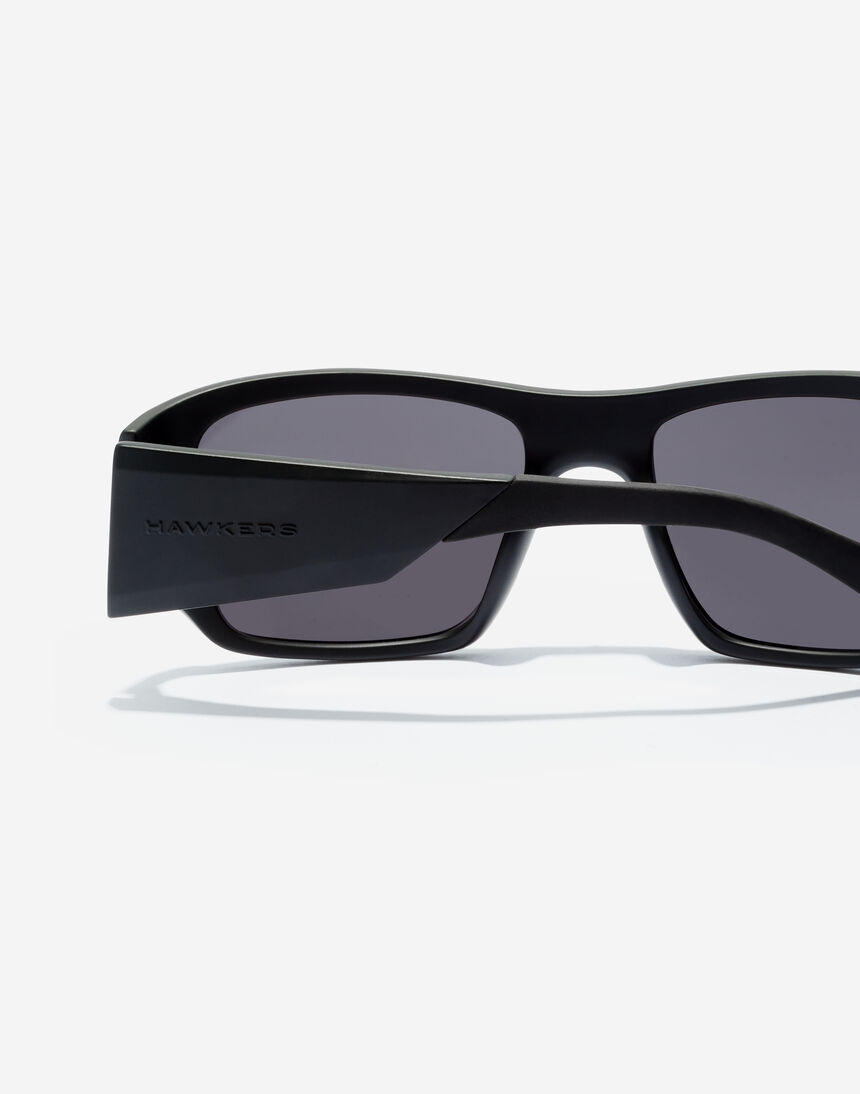 Hawkers 360 - POLARIZED CARBON BLACK master image number 4.0