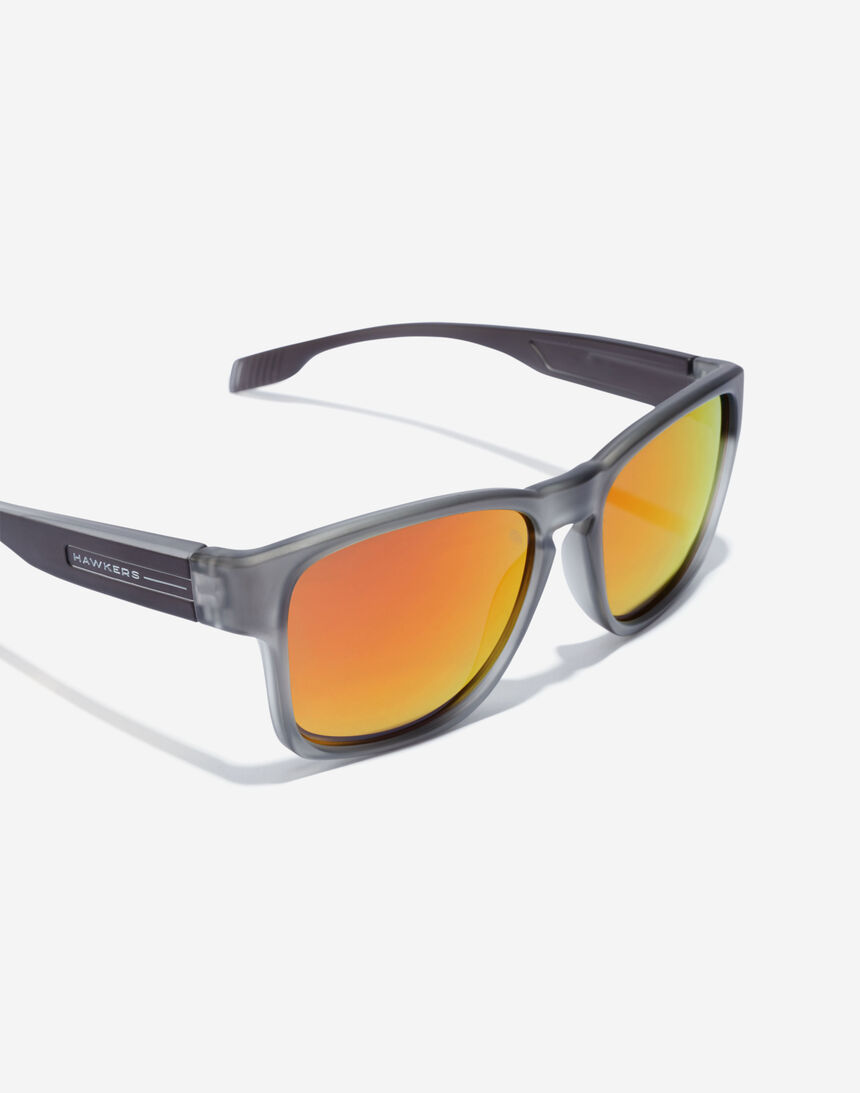 Hawkers CORE - POLARIZED RUBY master image number 4.0