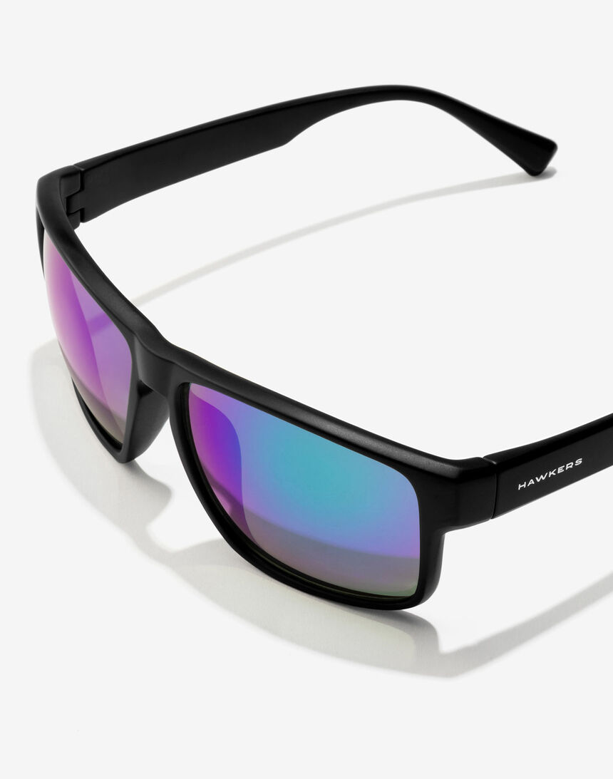 Hawkers Polarized Black Emerald Faster master image number 3.0