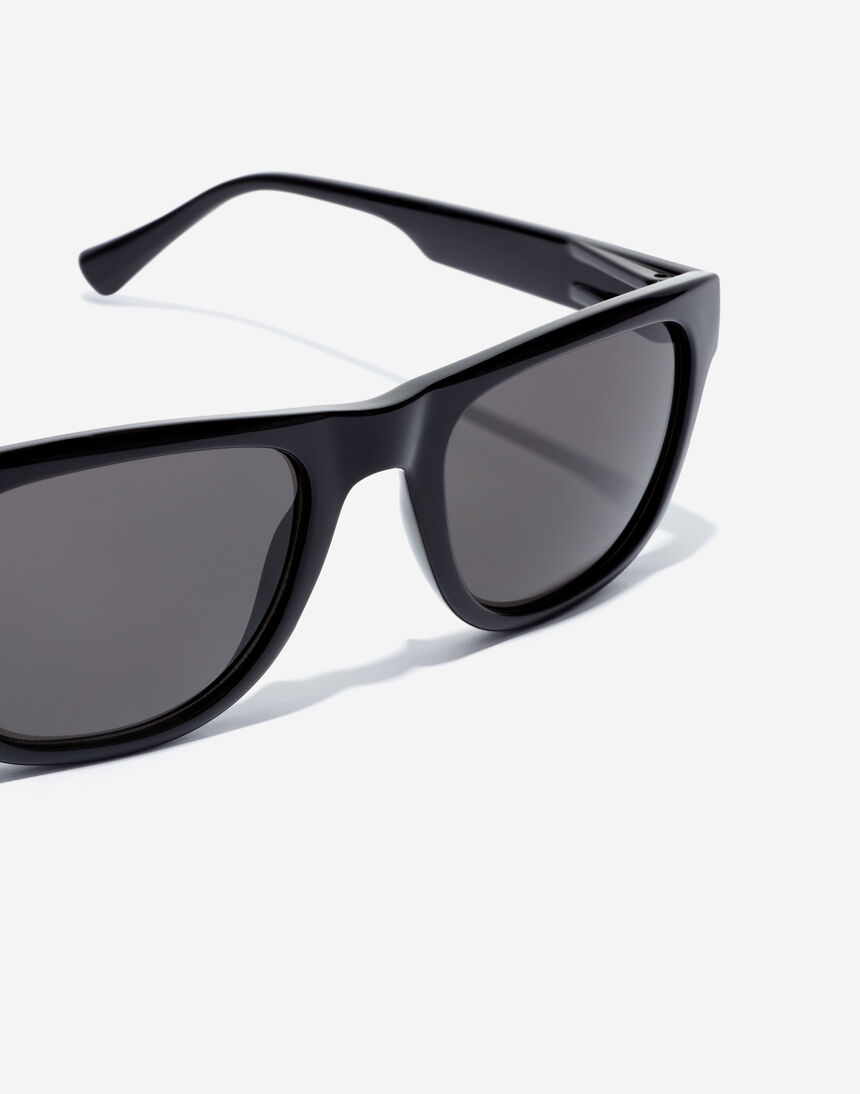 Hawkers TOX - POLARIZED BLACK master image number 3.0