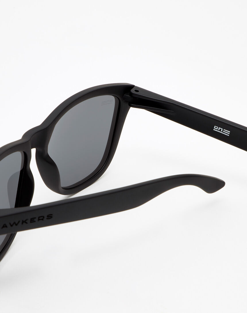 Hawkers Carbon Black Silver One master image number 4.0