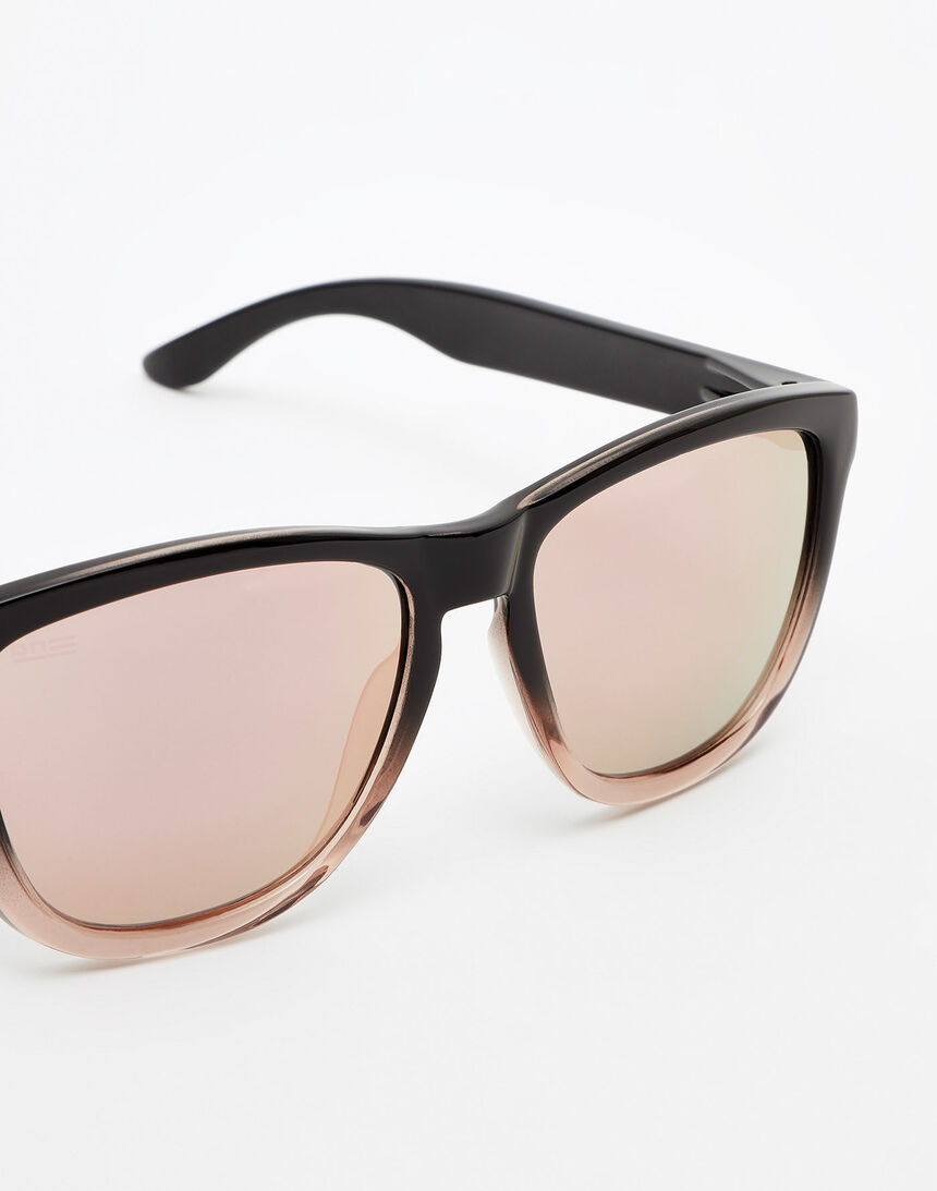 Hawkers Polarized Fusion Rose Gold One master image number 3.0