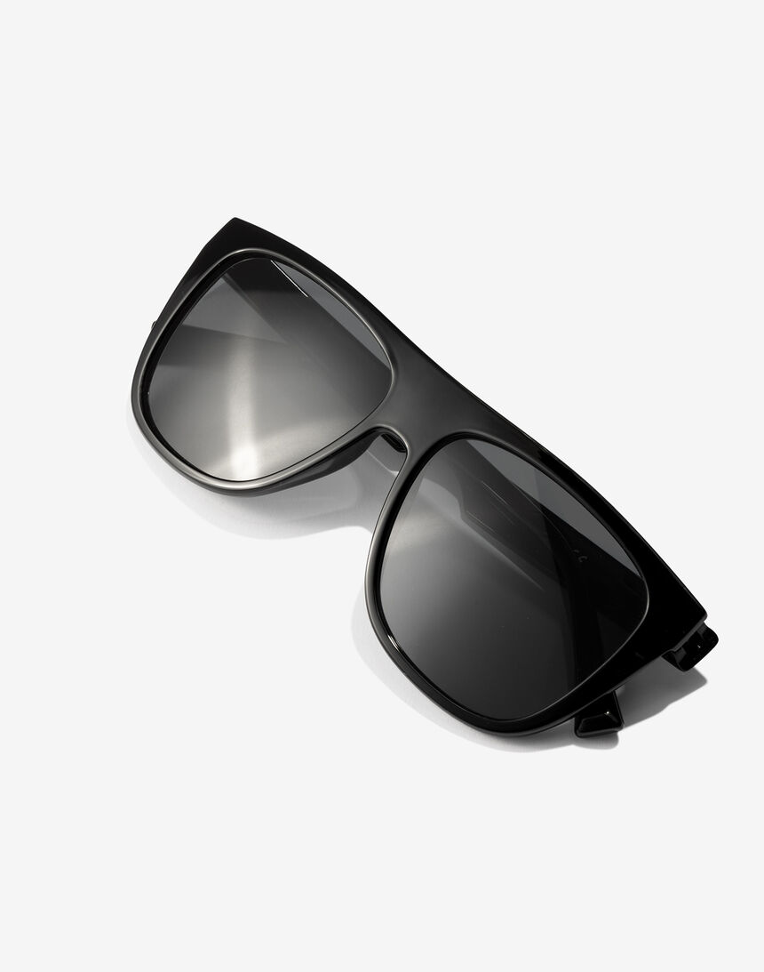 Hawkers Polarized Black Runway master image number 5.0