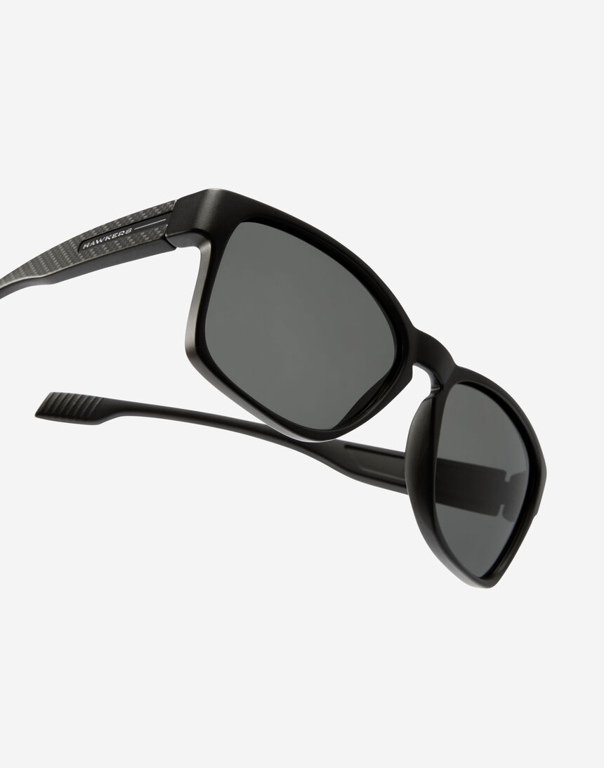Hawkers CORE - POLARIZED CARBONO BLACK master image number 4.0
