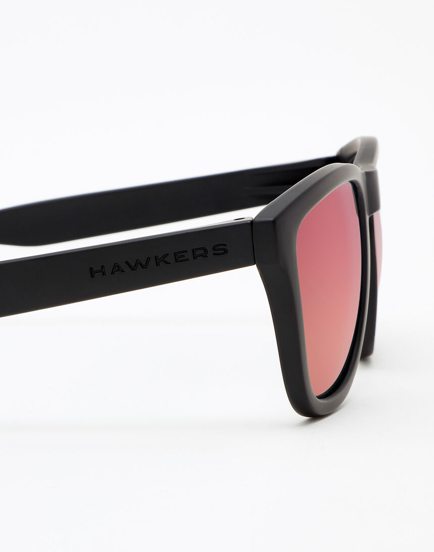 Hawkers Carbon Black Ruby One master image number 5.0