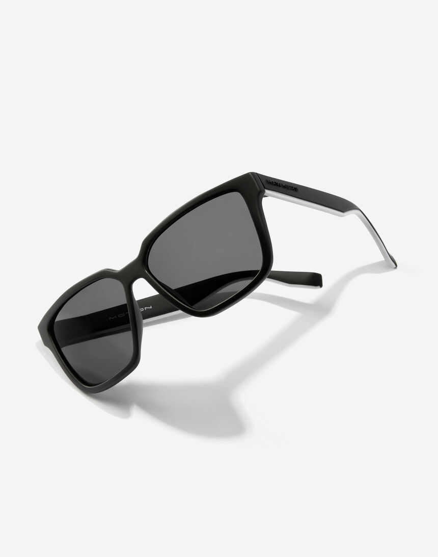 Hawkers MOTION - POLARIZED BLACK master image number 3.0