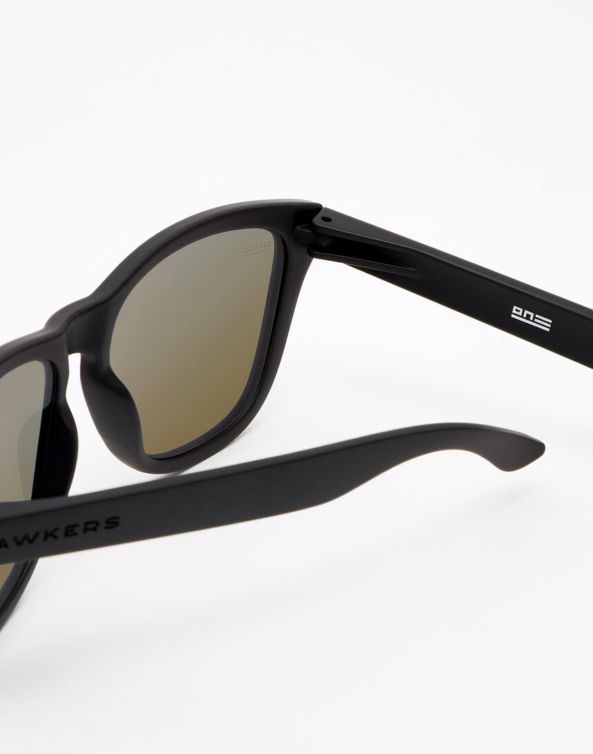 Hawkers ONE - POLARIZED CLEAR BLUE master image number 4.0