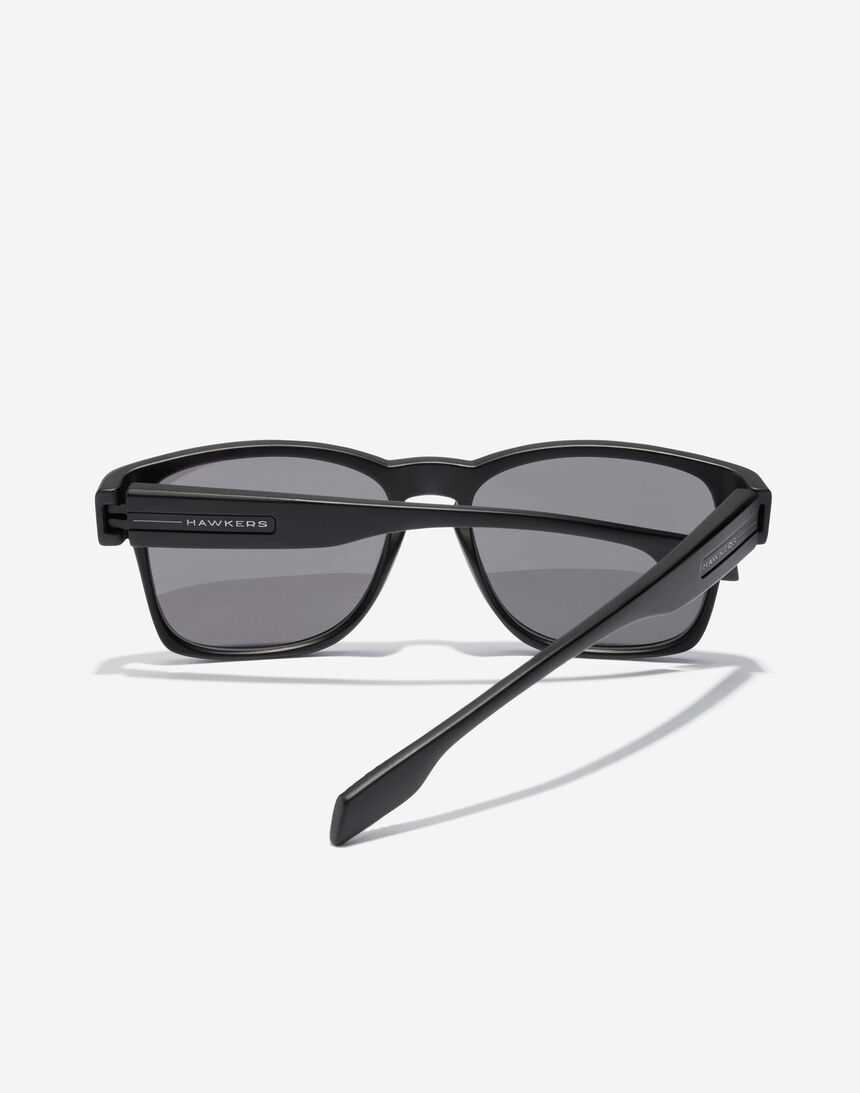 Hawkers CORE - POLARIZED BLACK master image number 4.0