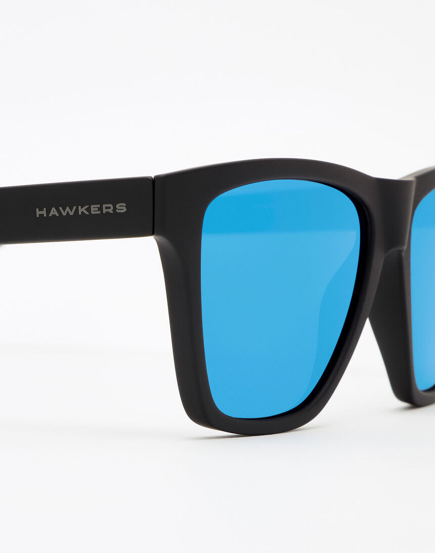 Hawkers Polarized Rubber Black Sky ONE LS master image number 5.0