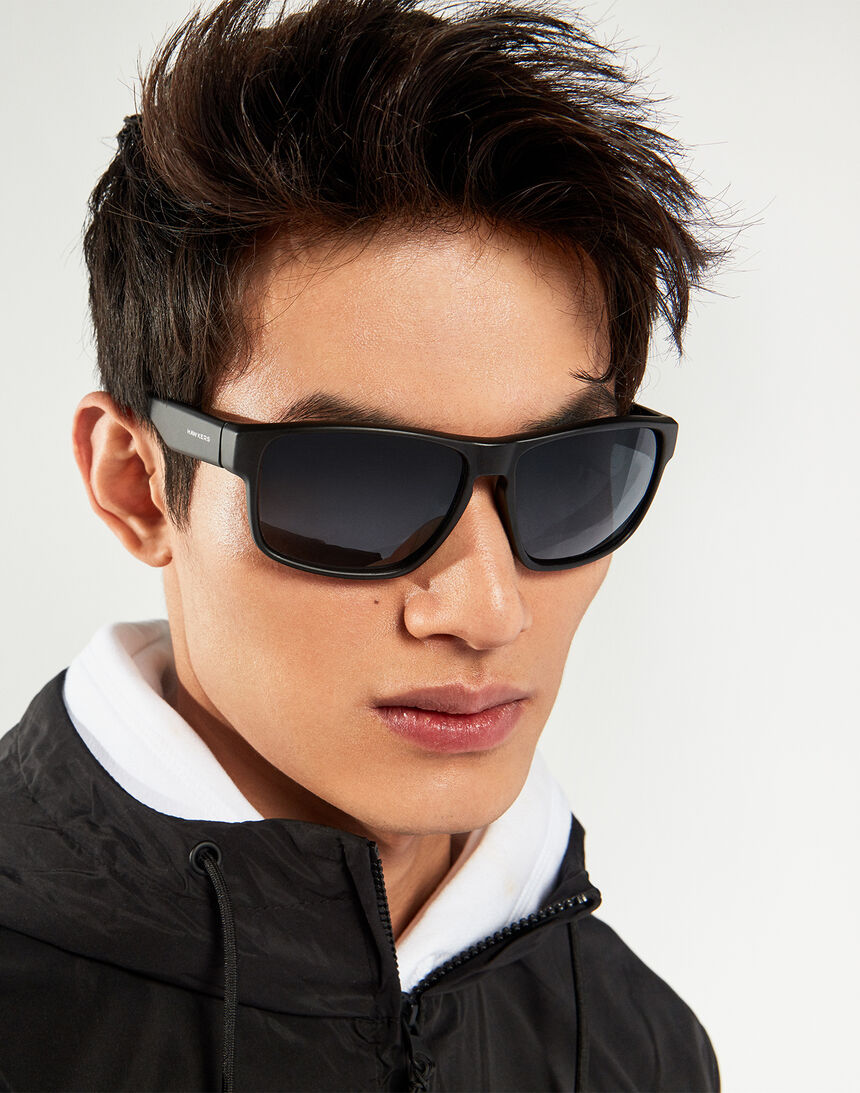 Hawkers Polarized Black Dark Faster master image number 8.0