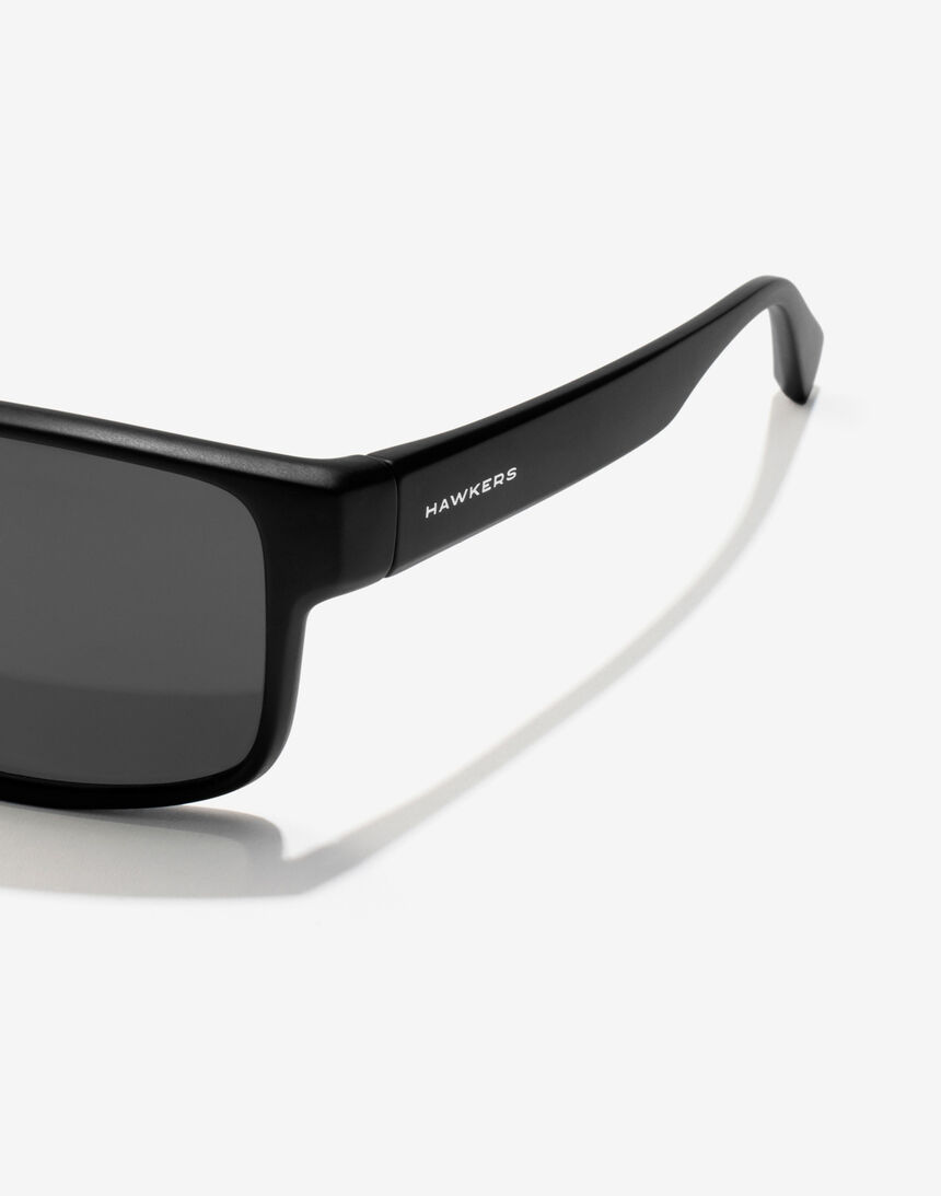 Hawkers Polarized Black Dark Faster master image number 3.0