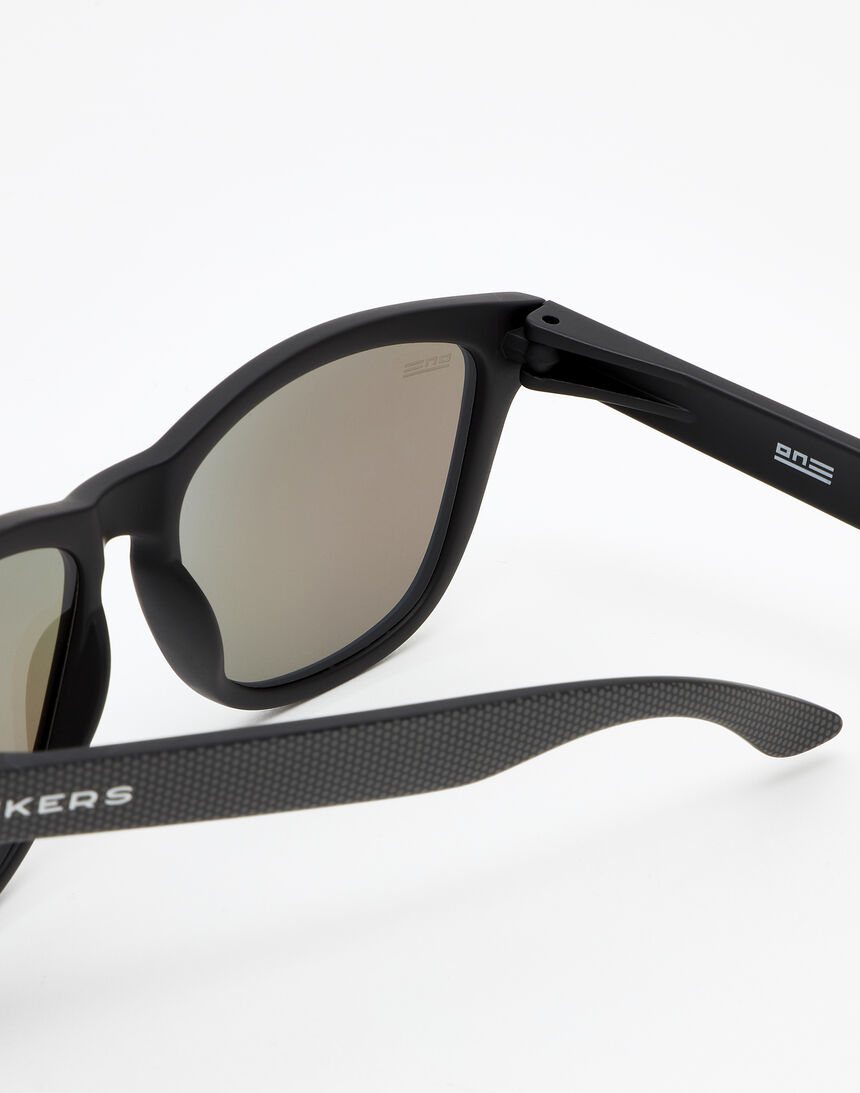 Hawkers ONE - POLARIZED CARBONO BLUE CHROME master image number 4.0