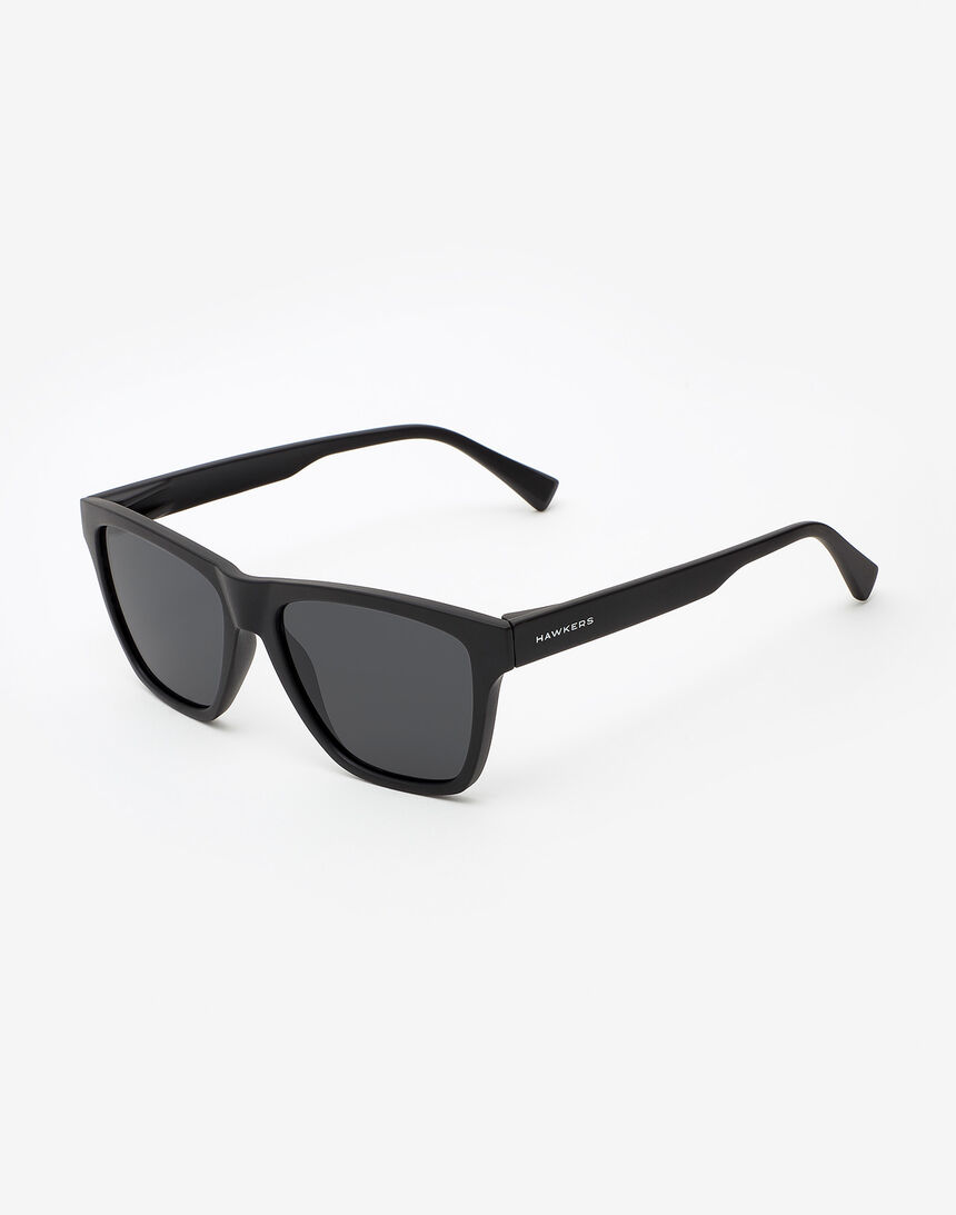 Hawkers Polarized Carbon Black Dark ONE LS master image number 2.0