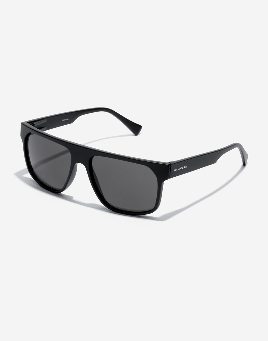 Hawkers CHEEDO - POLARIZED CARBON BLACK master image number 2.0