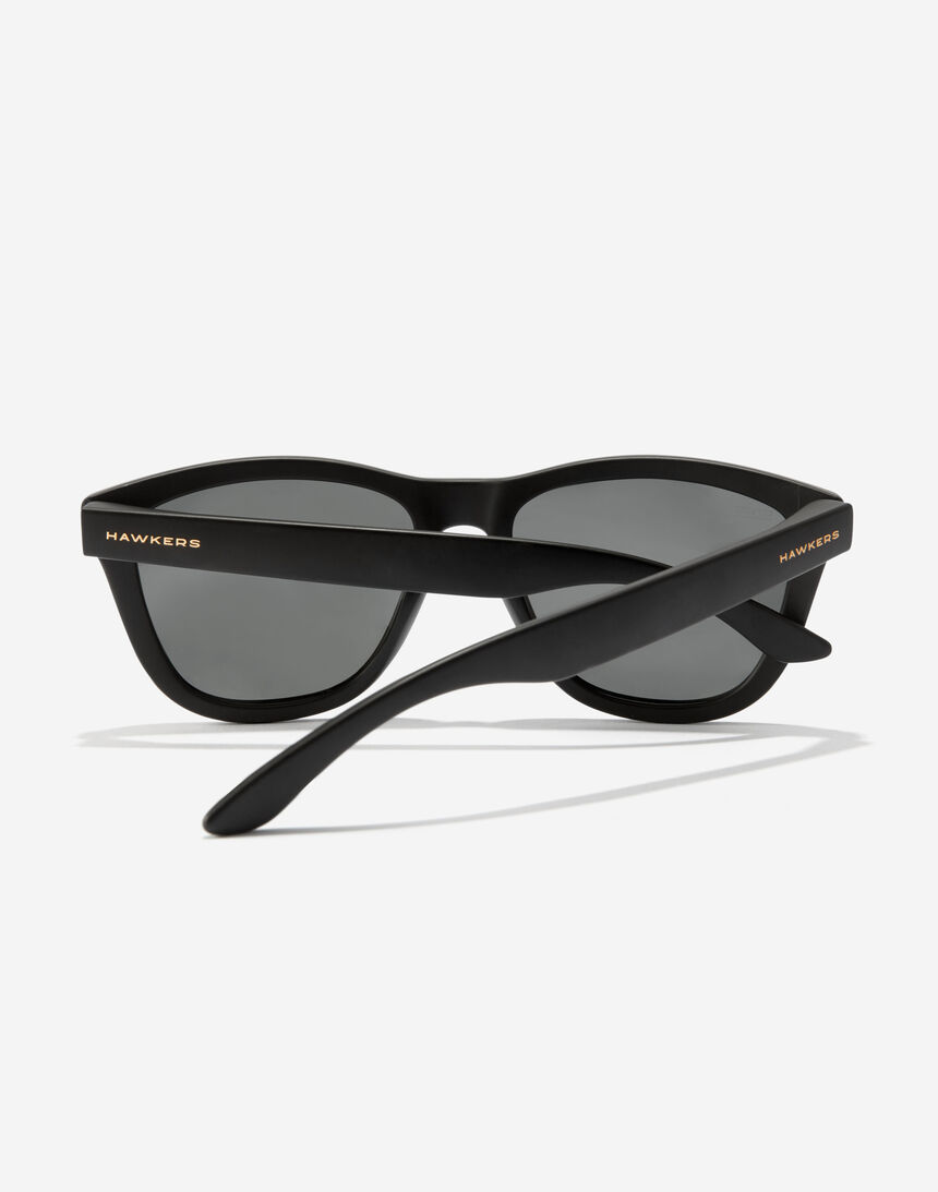Hawkers ONE - POLARIZED BLACK DARK master image number 4.0