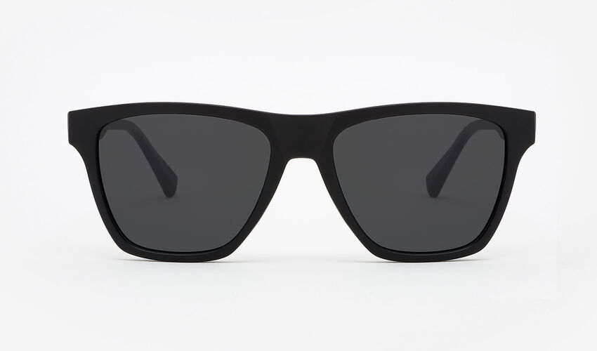 Hawkers Polarized Carbon Black Dark ONE LS master image number 1