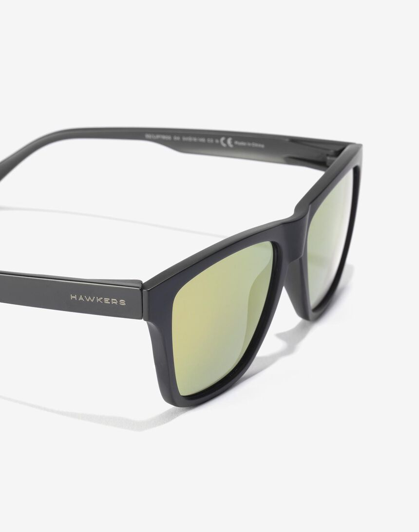 Hawkers Carbon Black Daylight ONE LS master image number 3.0