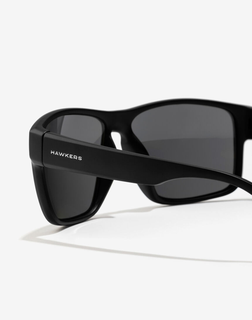 Hawkers Polarized Black Dark Faster master image number 4.0
