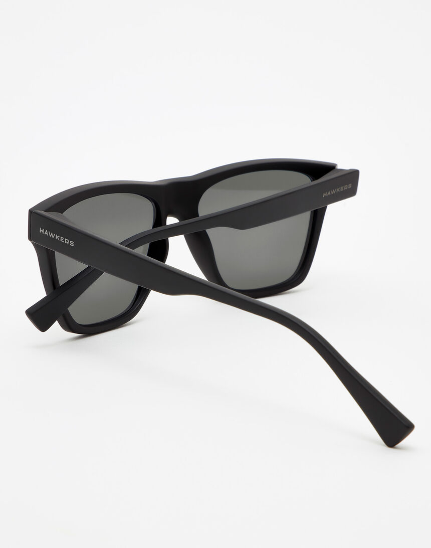 Hawkers Polarized Rubber Black Sky ONE LS master image number 4.0