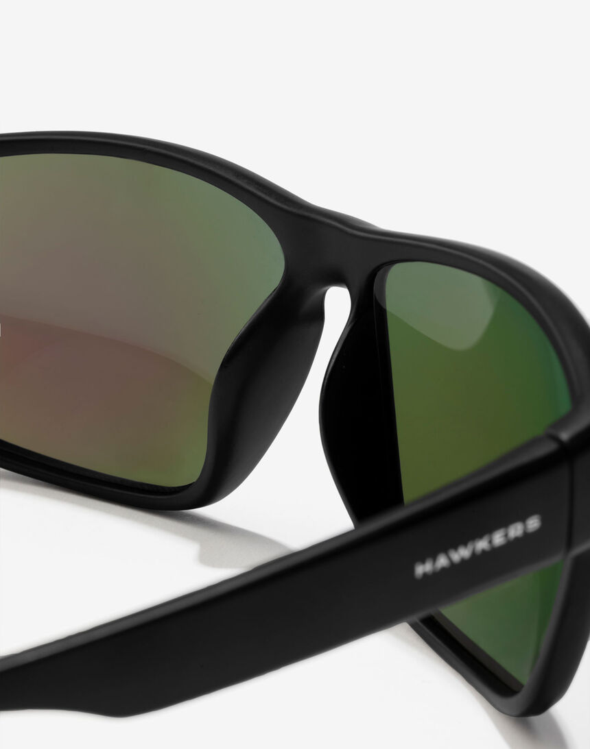 Hawkers Polarized Black Emerald Faster master image number 5.0