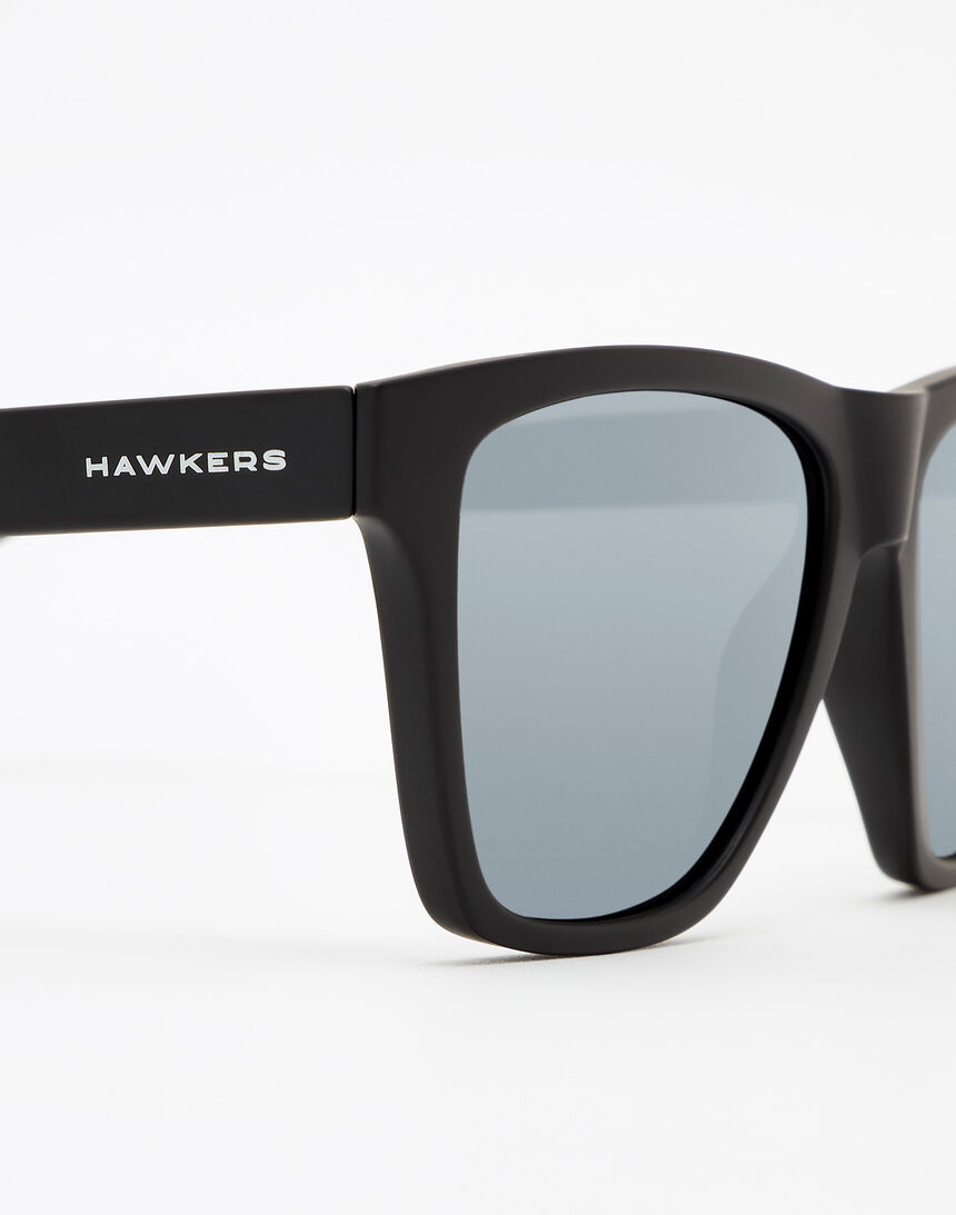 Hawkers Carbon Black Chrome ONE LS master image number 5.0