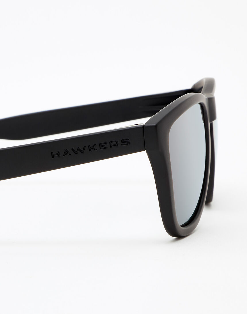 Hawkers Carbon Black Silver One master image number 5.0
