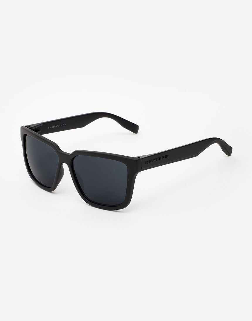 Hawkers Polarized Carbon Black Dark Motion master image number 2.0