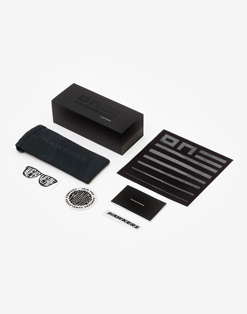 Hawkers Carbon Black Silver One master image number 6.0