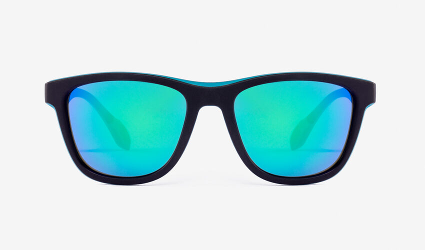 Hawkers Polarized Black Green Rubber Emerald ONE S master image number 1