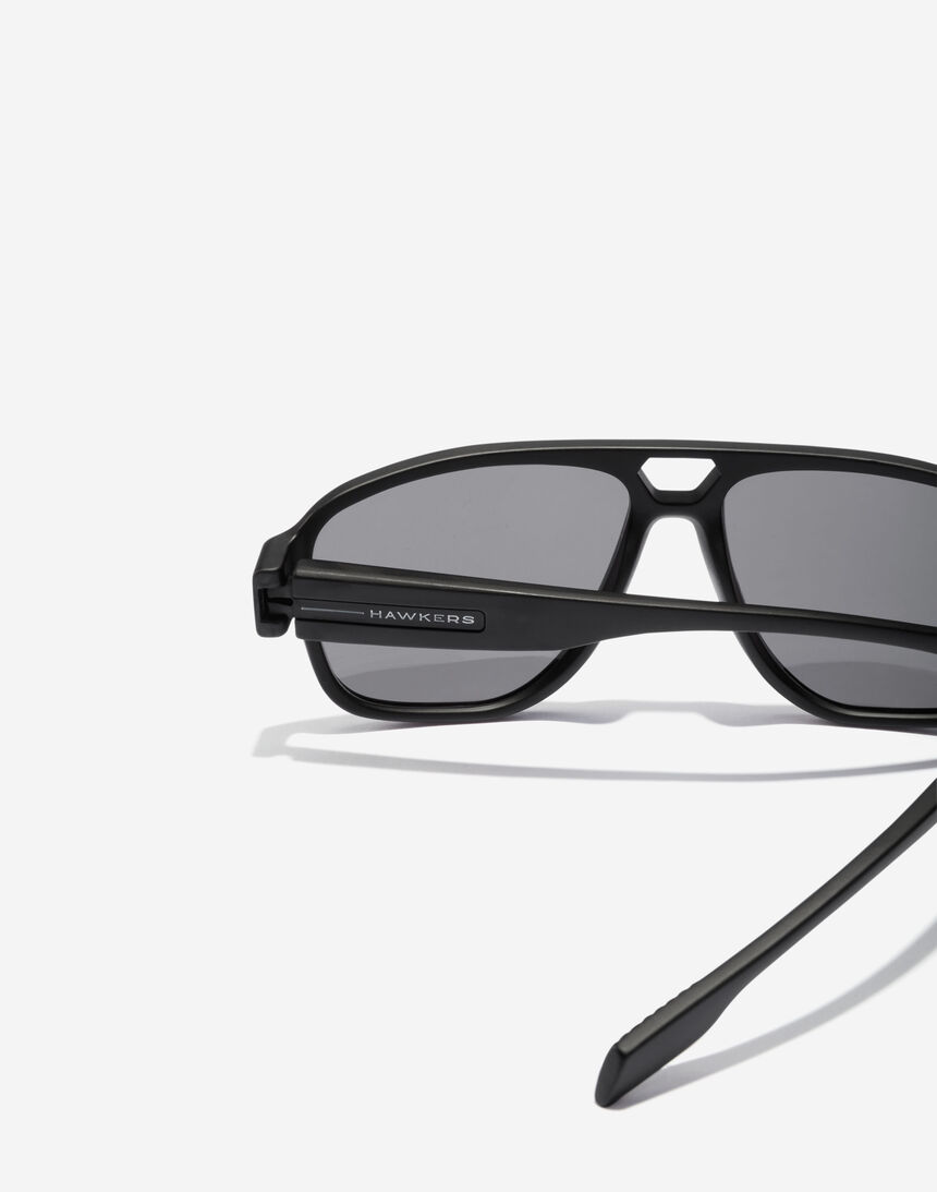 Hawkers STEEZY - POLARIZED BLACK master image number 4.0