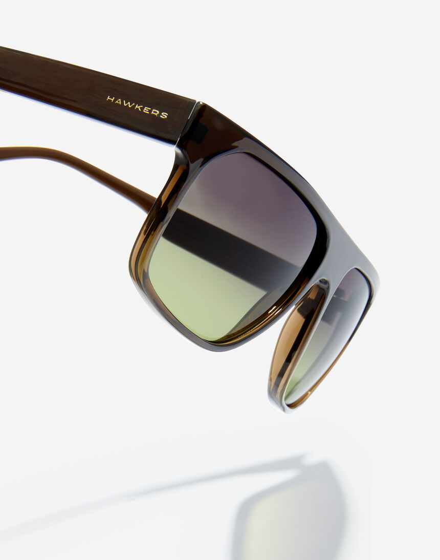Hawkers CHEEDO - POLARIZED CRYSTAL BLACK MOSS master image number 4.0
