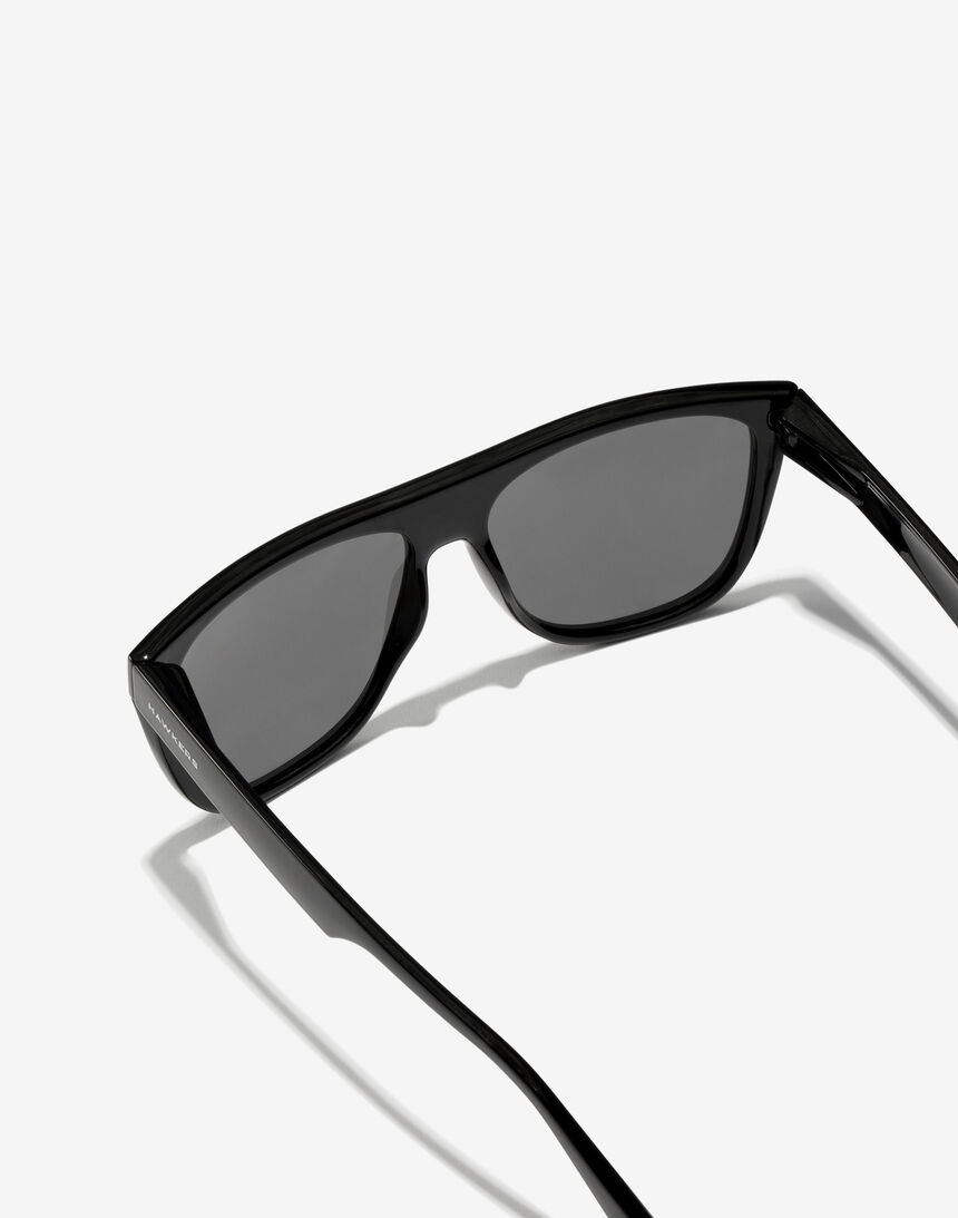 Hawkers Polarized Black Runway master image number 4.0