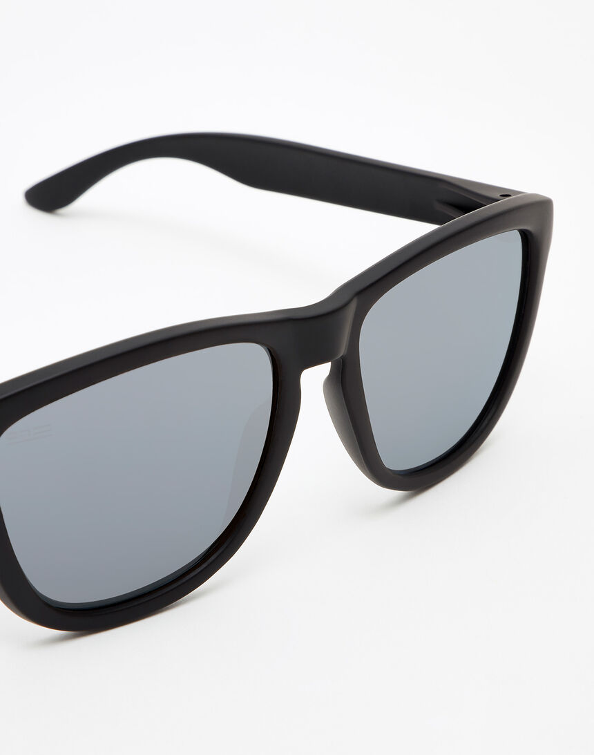 Hawkers Carbon Black Silver One master image number 3.0